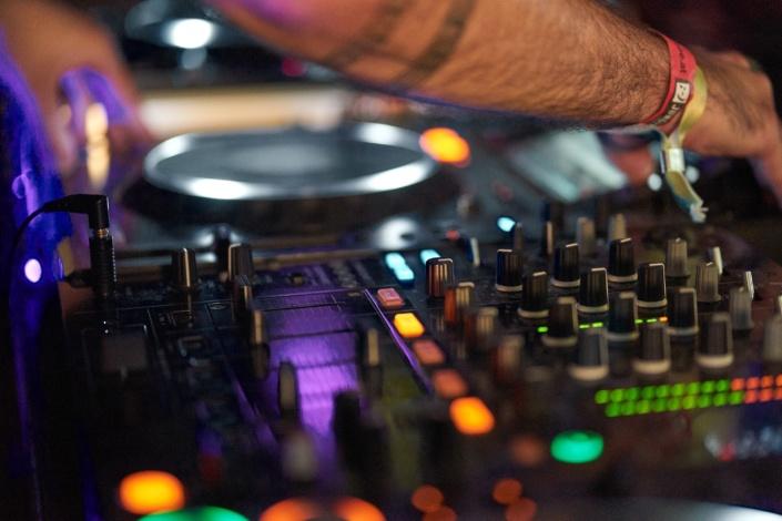 DJ von Flegga Music am Mischen beim HEBO