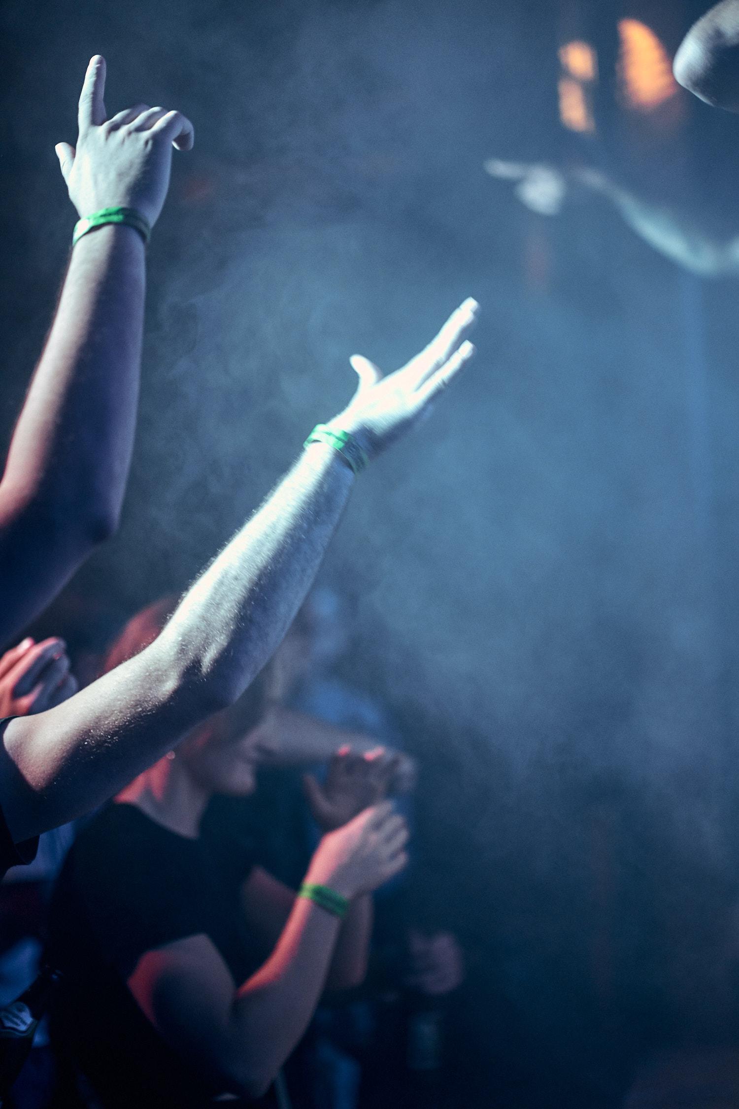 Hände hoch am Hip Hop Konzert