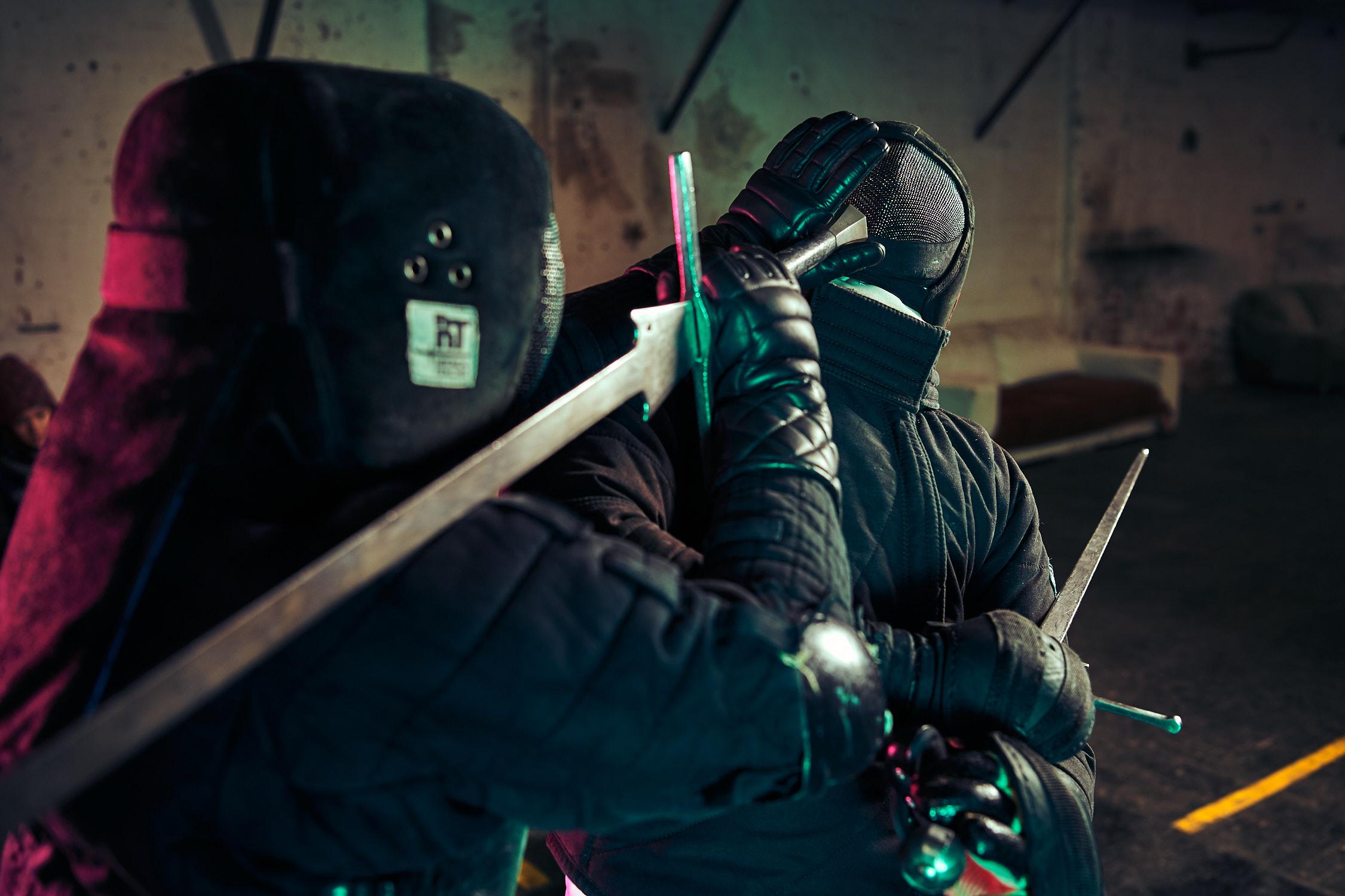 Fotoshooting mit Historical European Martial Arts von T.HEMA in der Sargfabrik F23 für 8Openings Bekleidung für historisches fechten