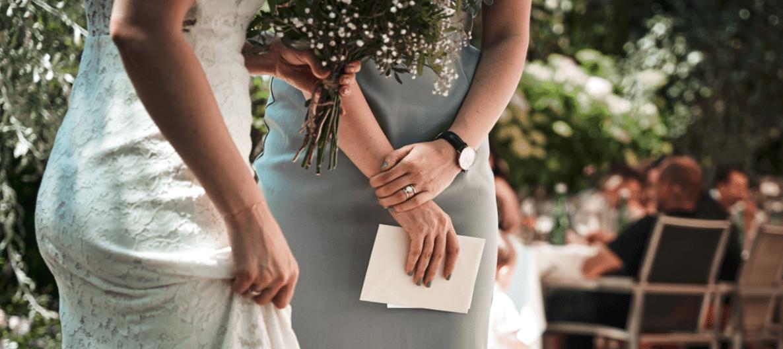 Braut mit Brautstrauß bei der Hochzeit in der Terra Rossa in Ottakring