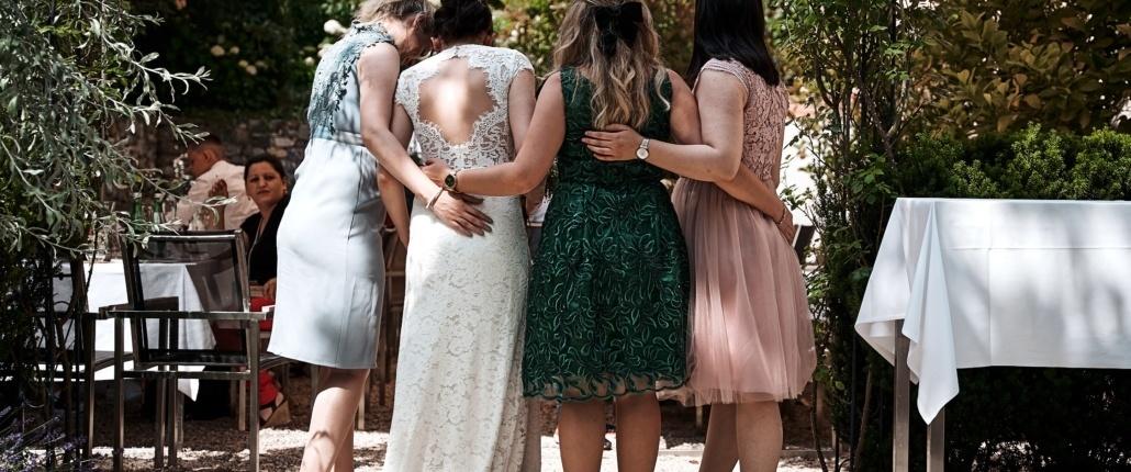 Brautjungfern mit Braut in Ottakring